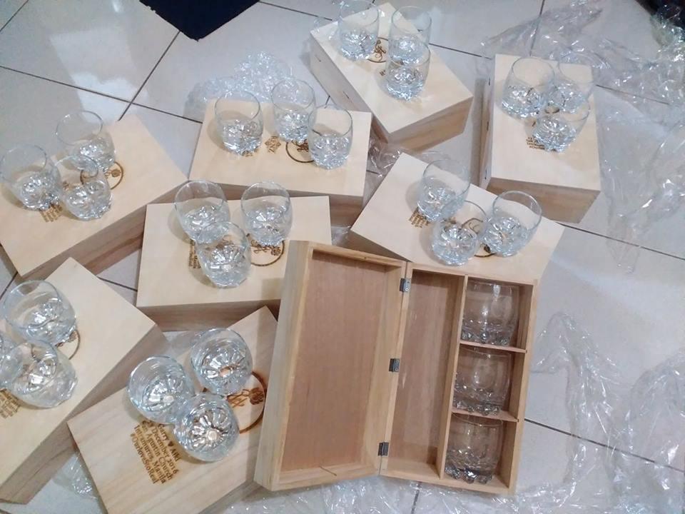 Wedding Supplier Review CALLIGRAFFI Ninong Souvenirs