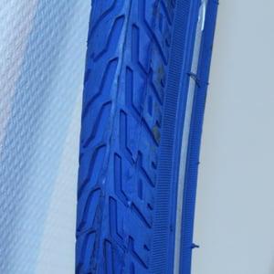 Blauwe buitenband