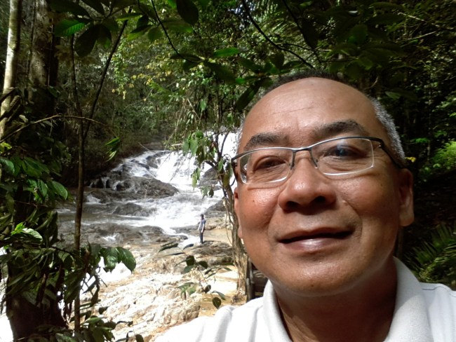 NIK'S SELFIE AT SAOK WATERFALL