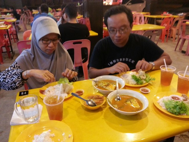 SHAM & SON ENJOYING PATIN TEMPOYAK 1
