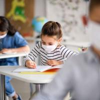 Варненска майка за COVID-19 в училищата: Побъркаха децата