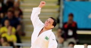 o-judoca-brasileiro-felipe-kitadai-comemora-a-vitoria-contra-sul-coreano-gwang-hyeon-choi-pela-repescagem-na-categoria-ate-60-kg-1343484122052_956x500