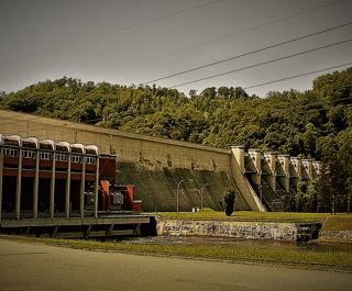 Różnów hydropower plant belongs to Cracow Complex of Hydropowerplants along with Czchów facility. BUDOKOP Ltd. has implemented ASTKZ in both.