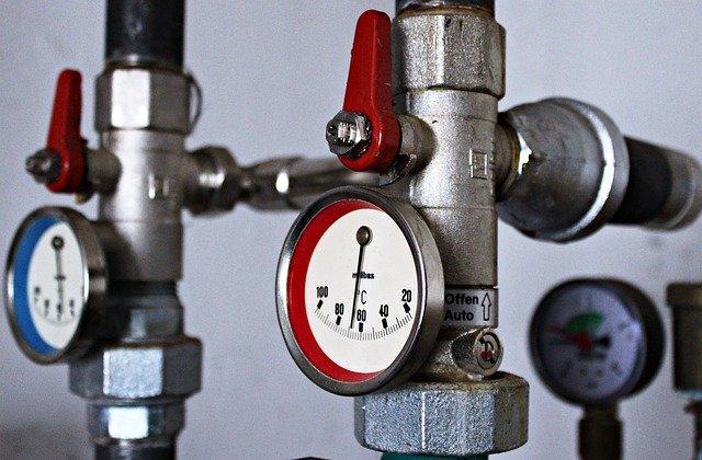 Wymiana instalacji kanalizacyjnej w budynku mieszkalnym.