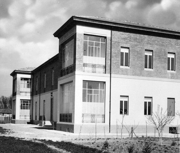 Il padiglione per malati infettivi costruito, all'inizio del '900 sotto l'impulso di Ettore Zanardi, nell'area dove oggi sorge l'Ospedale di Budrio (Archivio Montanari-Pazzaglia).