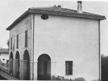 L'Oratorio di Sant'Antonio da Padova detto anche Oratorio della Quaderna negli anni '70 (Archivio Montanari- Pazzaglia).