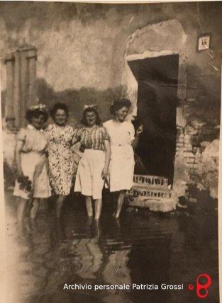 Componenti della famiglia Cervellati di Vedrana, 1944. Foto