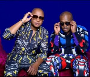 DJ Vetkuk vs Mahoota ft Nokwazi, Black Motion & Drumatic Boyz - Thando Lok'dlala