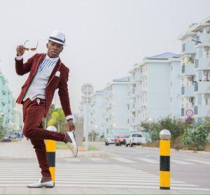 Papa Swegue - Muda Angolana (Afro Beat) 2017
