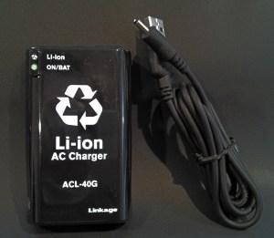 N-COM用電源供給ケーブルとリチウムイオン充電器