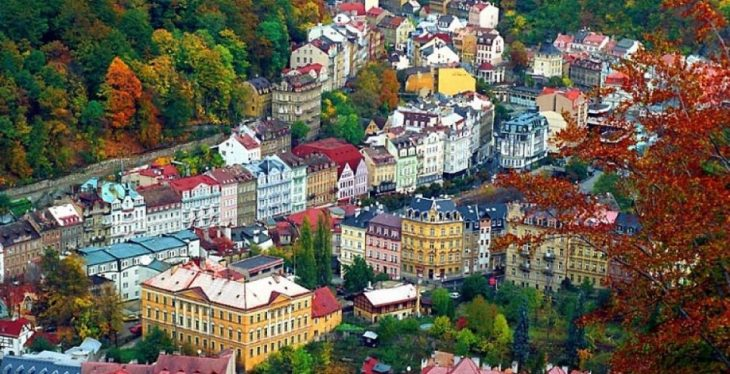 Karlovy Vary: otro mágico lugar cercano a Praga - Buena Vibra