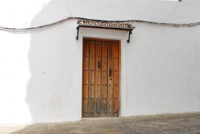 porte de maison Setenil de las Bodegas andalousie