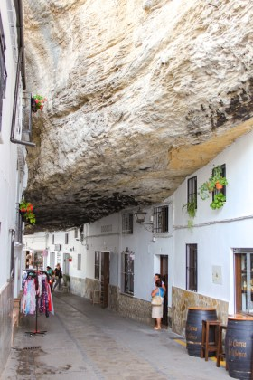 Calle Cuevas de la Sombra Setenil de las Bodegas andalousie