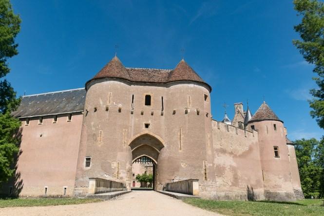 Château médiéval d'Ainay-le-Vieil Week end à la campagne dans le Berry