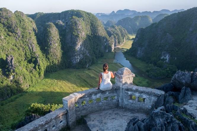 Mua Caves au coucher de soleil Itinéraire au Vietnam nimh Binh