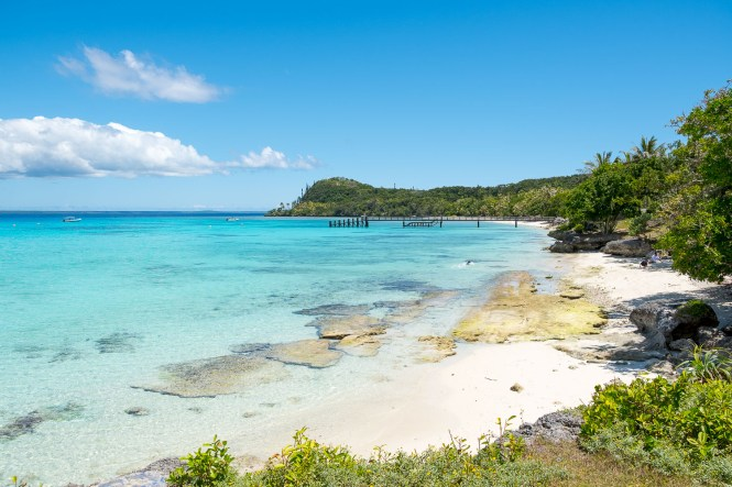 Baie-de-santal-plage-lifou-photo