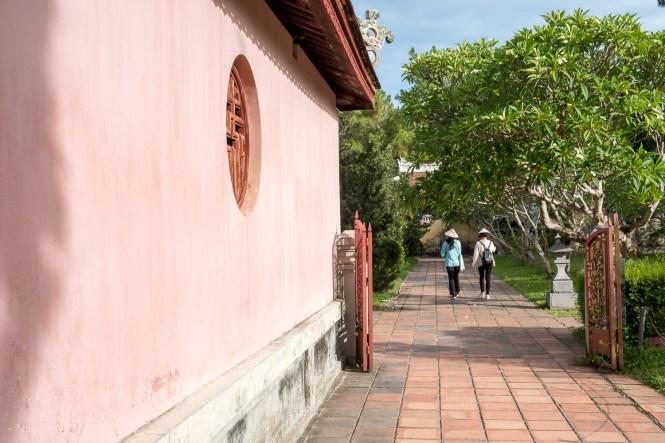 INTERIEURE PAGODE THIEN MU VISITER HUE EN 1 Jour vietnam
