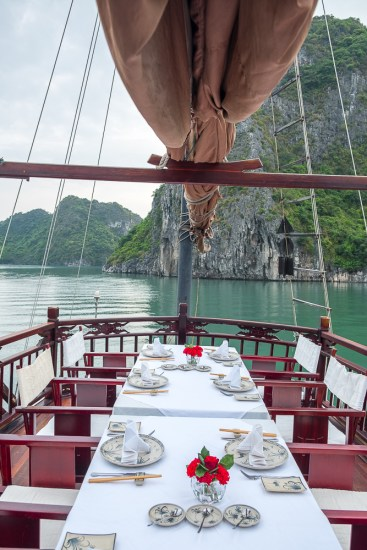 tables Dragon's Pearl Junk bai tu long vietnam