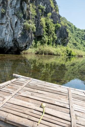 Bateau en bambou van long baie d'halong terrestre tam coc