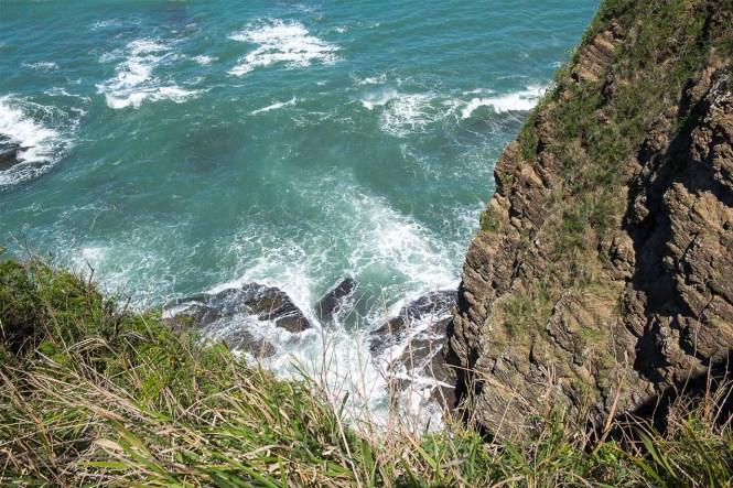 falaises-bourail-sentier-des-trois-baies