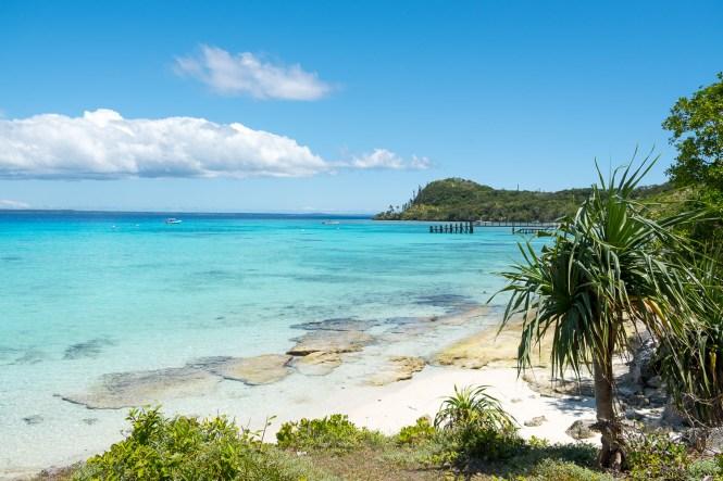 baie-de-santal-plus-belles-plages-de-Nouvelle-Calédonie