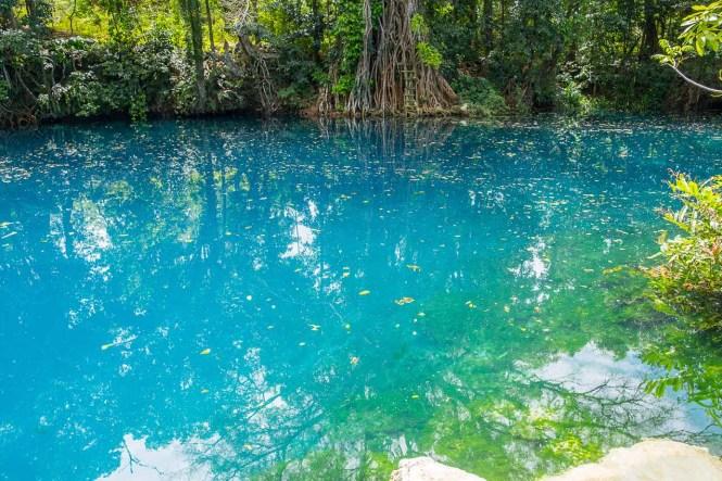 couleur-Blue-Hole-Vanuatu-trou-bleu