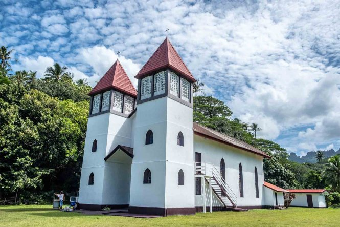Église-de-la-Sainte-Famille-de-Haapiti-moorea