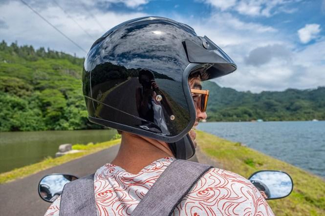 Pass-inter-iles-air-tahiti-tahaa-alex-scooter