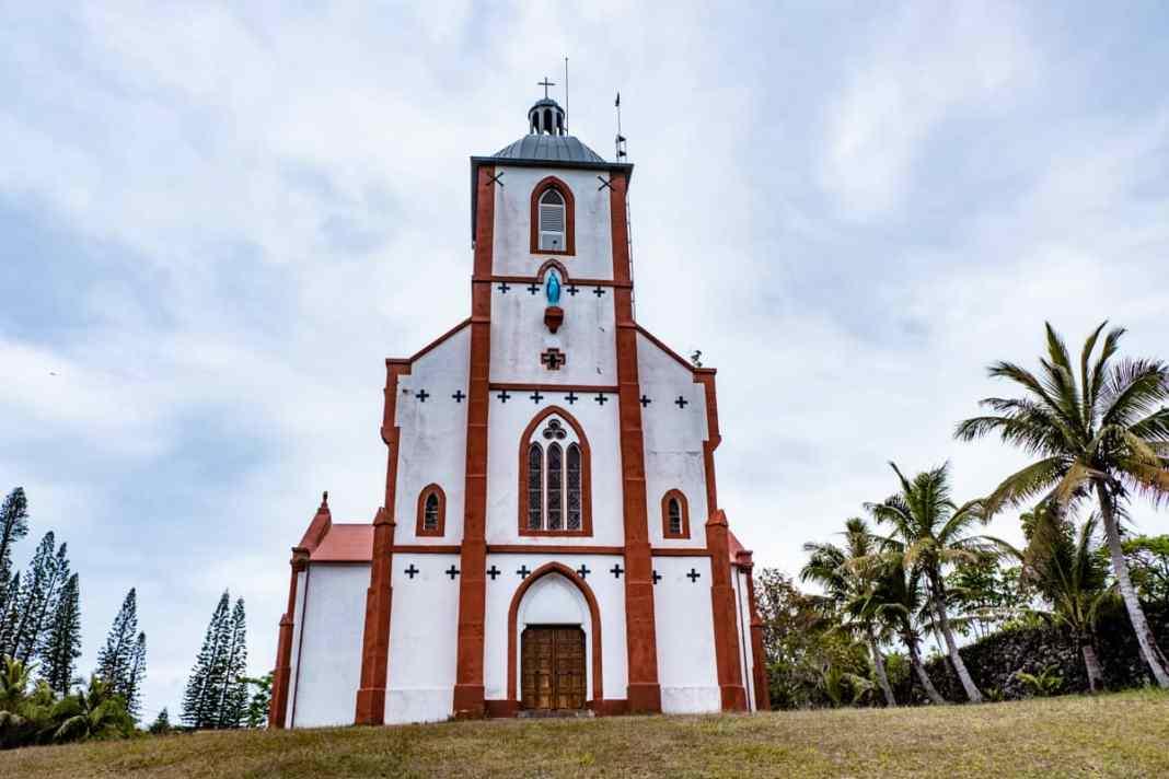 Eglise-Notre-Dame-de-la-Visitation-mare-nouvelle-calédonie