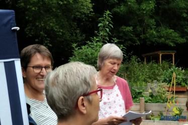 Roswitha und Ellen begrüßen die Känguru-Ferienkinder