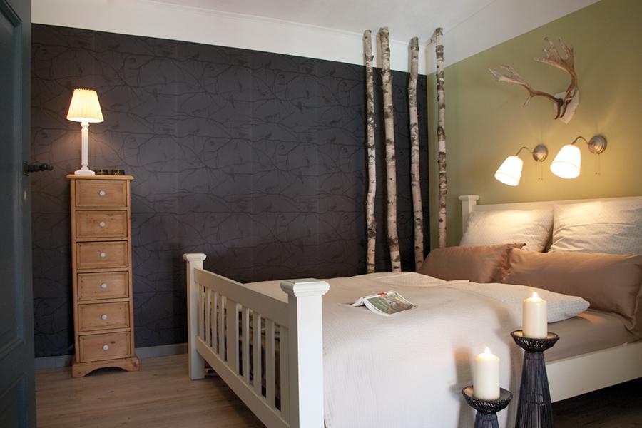 Ferienzimmer »Wald« mit Doppelbett auf dem Lothshof im Flaeming © Buero-Koethe