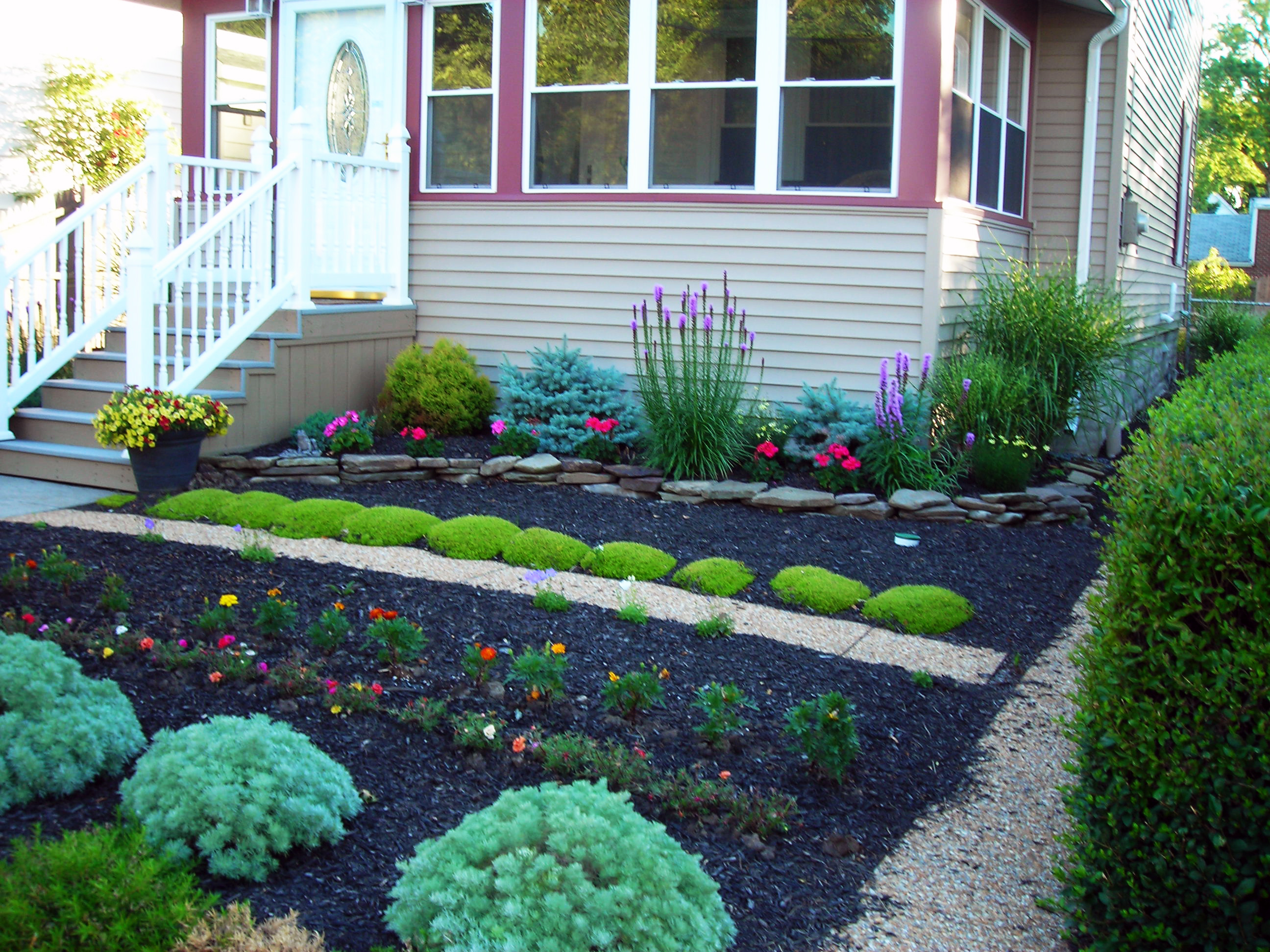 Grassless yards make Eggertsville property a mow-free zone ... on Grassless Garden Ideas  id=43608