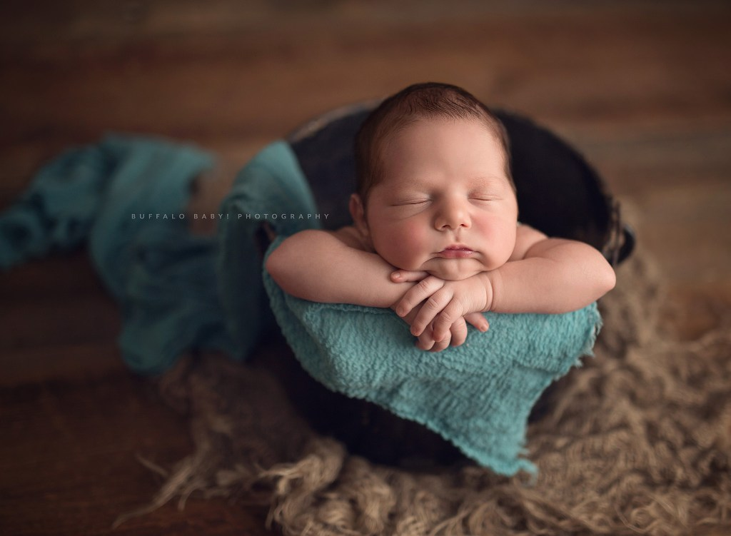 Buffalo ny newborn photography