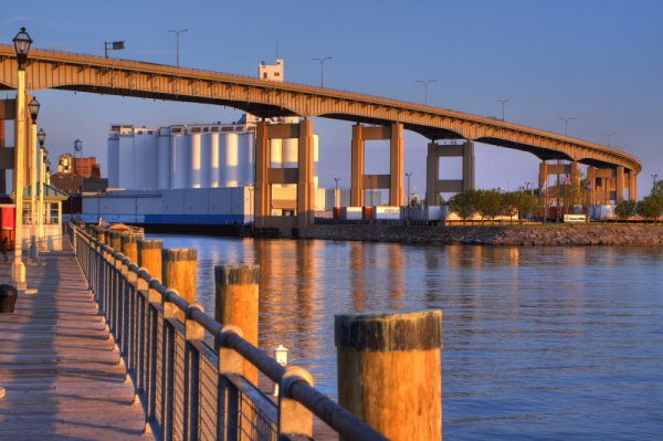 Which Side of the Skyway Debate Do You Fall On ...