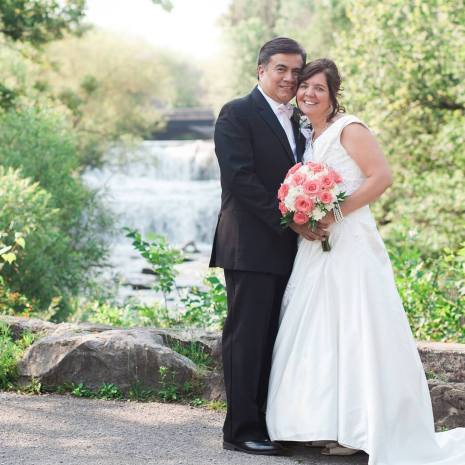 Buffalo Wedding Bridal Bouquet by Lipinoga Florist (4)