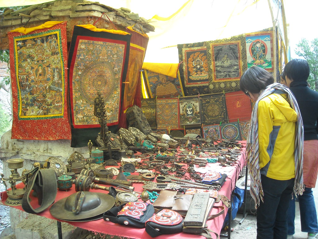 Read more about the article The Old Tibetan Market – A Home in the Streets of Leh