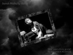 sarah-michelle-gellar-buffy-season-1-the-sweater-book-photoshoot-gq-02_jpg