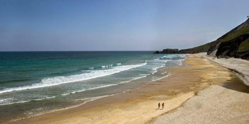 Un paseo por la playa, y la brisa marina te ayudaran a evitar la astenia