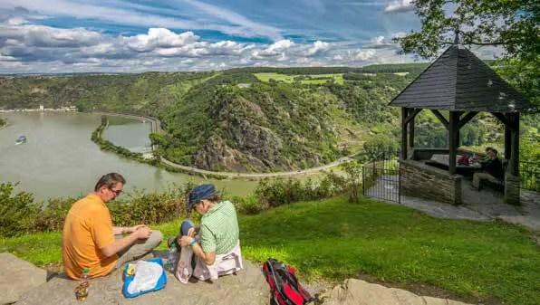 Ausblick zum Tourismusmagnet Loreley – der Welterbe-Status trägt zum Erfolg bei. (Foto: Piel media)