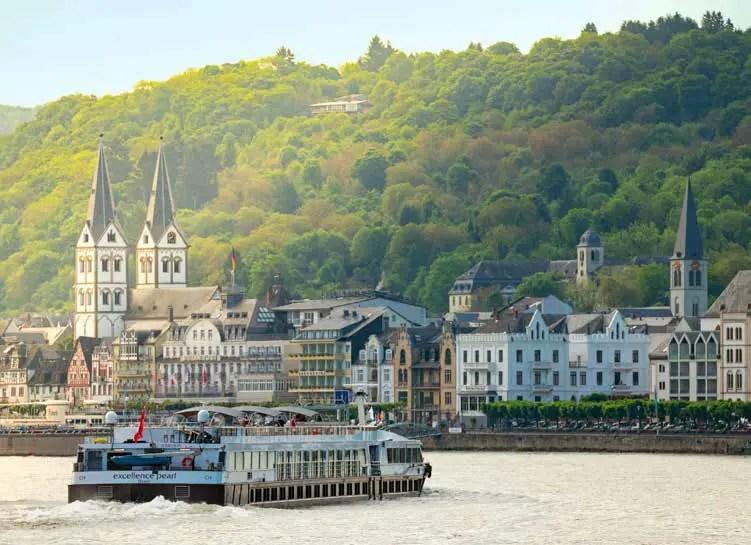 Hunderttausende Gäste auf Kreuzfahrtschiffen erleben das Rheintal zumeist als Kulisse. (Foto: Piel media)