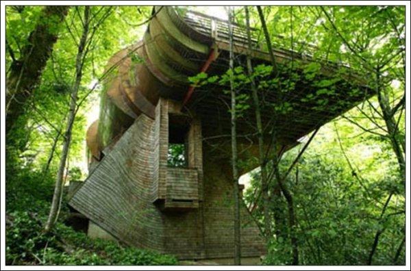 Самые странные и необычные дома на планете (21 фото)