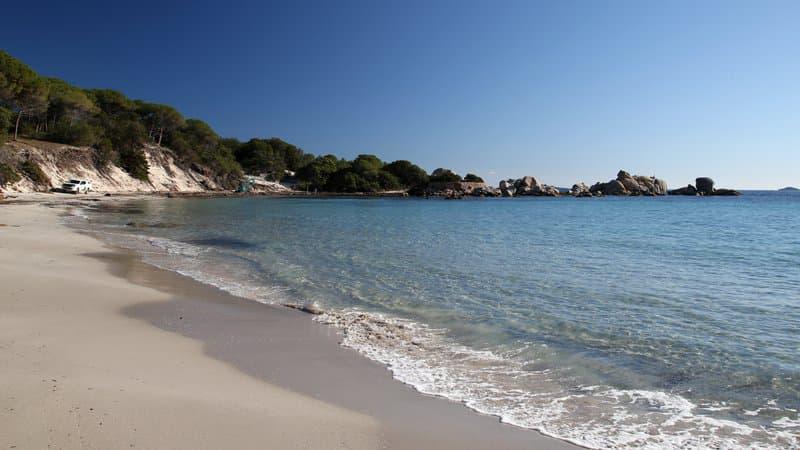 Pollution en Corse: plusieurs plages de Porto-Vecchio fermées