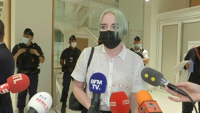 """""""Il y en a qui n'ont pas envie de comprendre"""": Mila lit un message d'insultes reçu en plein procès"""