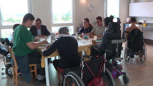 Villeurbanne: une maison partagée où cohabitent adultes valides et handicapés