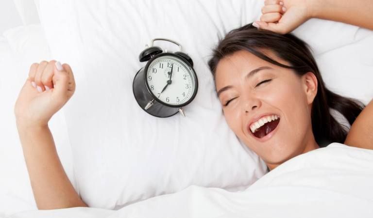 Bright and early people! Here are 10 tips which will help you wake up early in the morning