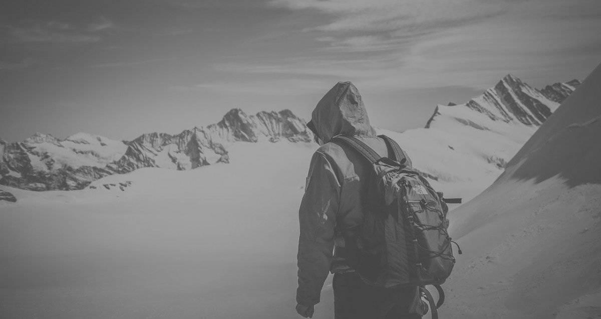 winter hike backpack