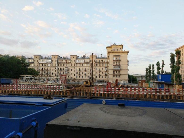 сталинский дом рядом с жк виталити
