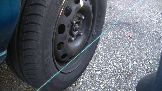 La roue avant est trop pincée