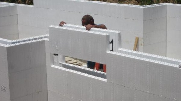 Cost to build with insulated concrete forms for How to build a concrete block wall foundation