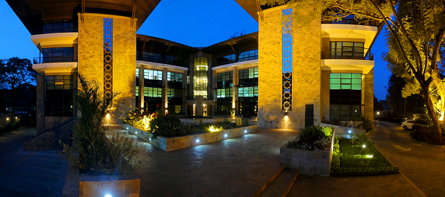 The Courtyard Building 01